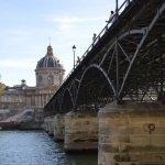 「愛の南京錠の橋」と呼ばれたポンデザール橋のこと