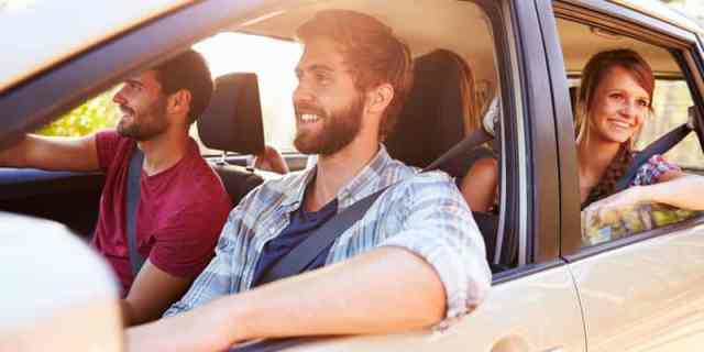 9 Rideshare App Options: Which One Is Right For You?