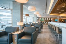 American Airlines Chicago Flagship Lounge Andy'
