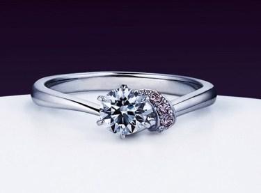 俄のご婚約指輪とご結婚指輪をご成約(新潟市/菅原様&斉藤様)