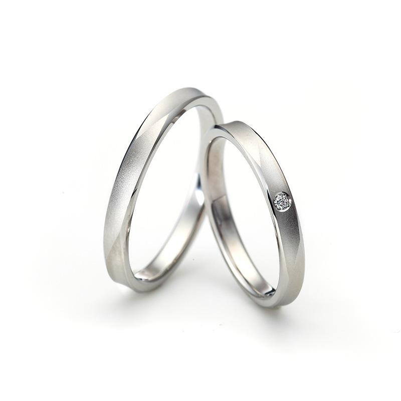 ラザールダイヤモンドの結婚指輪「LG021PR」と「LG022PR」