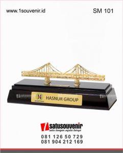 Cara Membuat Miniatur Jembatan Dari Stik Es Krim : membuat, miniatur, jembatan, Contoh-Contoh, Souvenir, Miniatur, Jembatan, 1souvenir.id