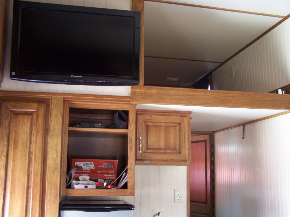 TV & Cabinets- Custom Hauler