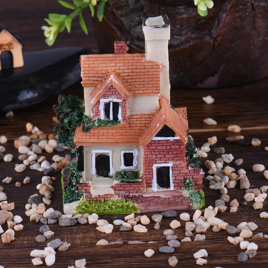 Miniature Figurines Castle House Mini Pendulum Garden Home Decoration Accessories For Birthday Gifts