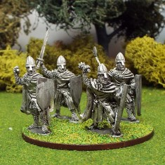 28mm medieval crusdaer knights wearing cloaks.