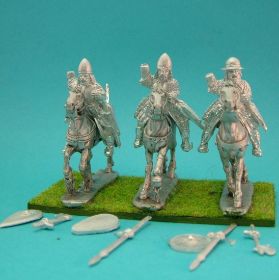 Turcopoles with spear and hand weapon