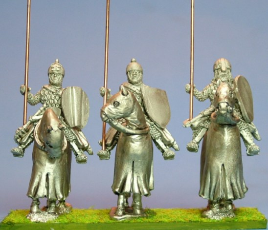 28mm Eastern Europe Mounted Knights 1, scale-lamellar, lance upright, standing barded horses