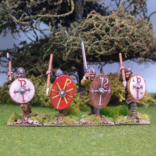 28mm Romano British Warriors, unarmoured, attacking, helmets, handweapons (4)