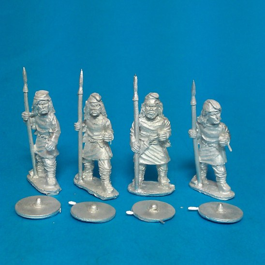 Geoguth ,(Young warriors) standing, caps, spears(4)