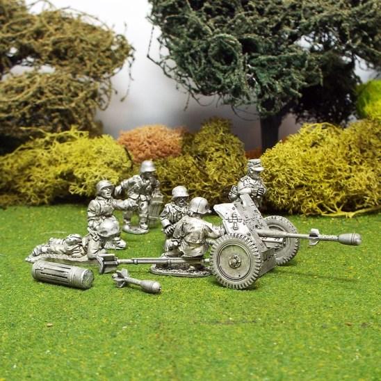 German 1/48 scale Pak36 37mm Anti Tank Gun with Stielgranate.