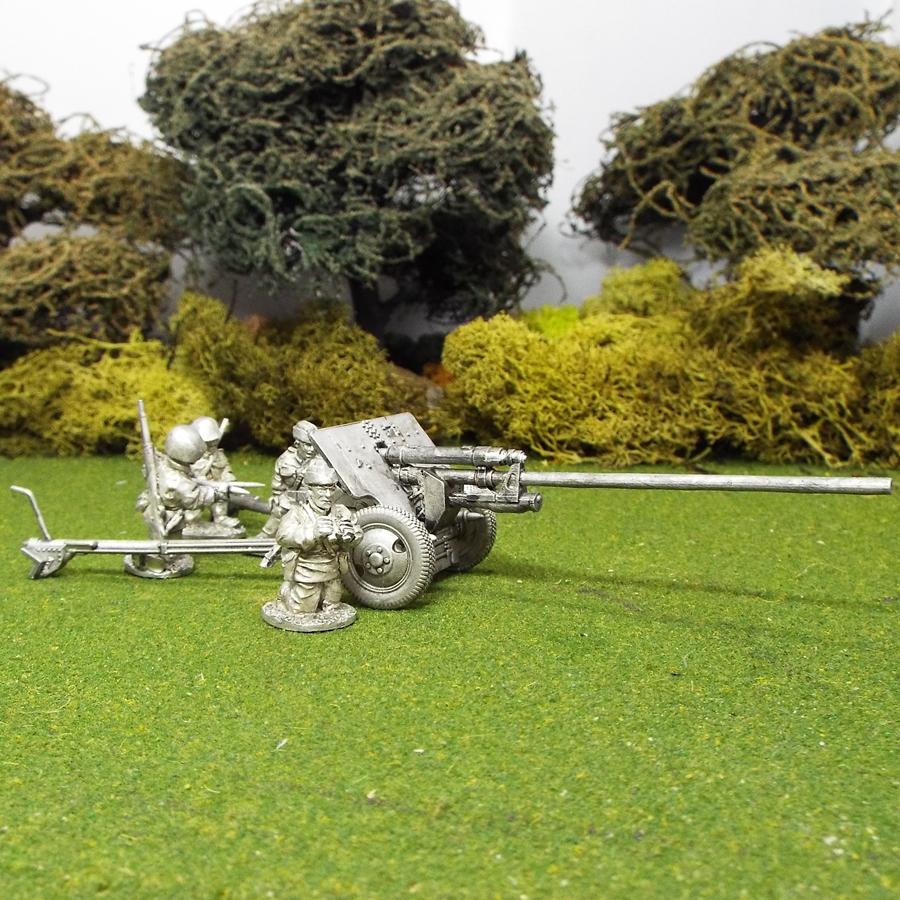 Russian 1/48 scale Zis 2 57mm Anti Tank Gun (4 Crew) - 1st Corps