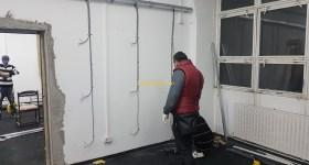 1stMiningRig Installing Plugs