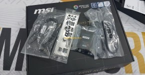 MSI Z370 SLI PLUS Unboxing 4