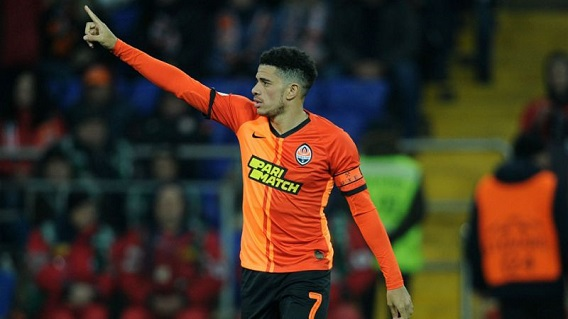 Taison sent off for responding to racist abuse