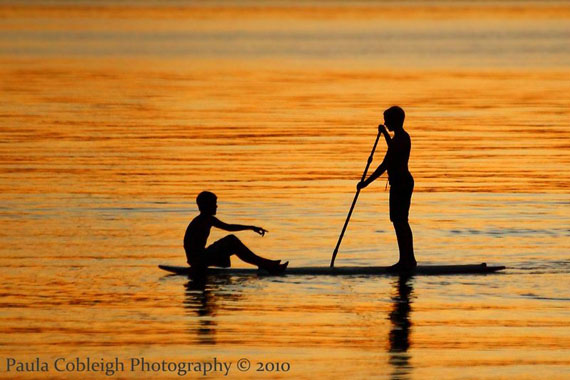 Silhouette_paddle_surf_boys_by_la_vita_a_bella-d2xo1j6