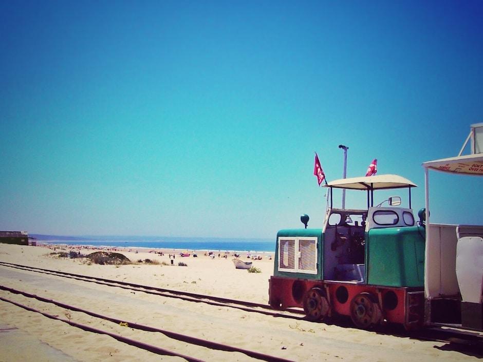 Strandbahn_Costa da Caparica_1 THING TO DO