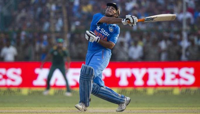421770-ms-dhoni-missed