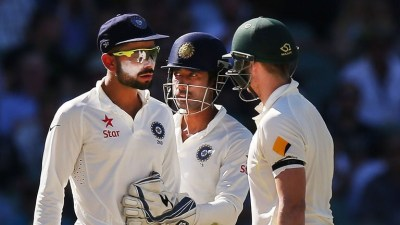 Virat Kohli Steve Smith Dressing Room Gate Bangalore