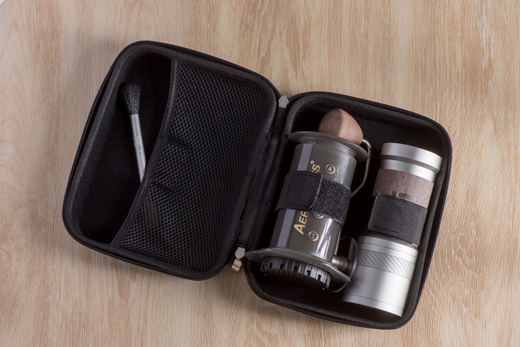 JE-Plus Grinder with Travel Case