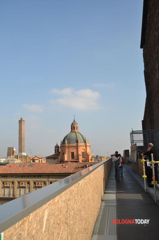 Restauro San Petronio Piazza Galvani apre la terrazza con vista