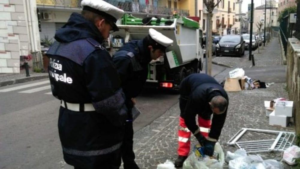 Brescia Raccolta Differenziata E Multe Arrivano Le