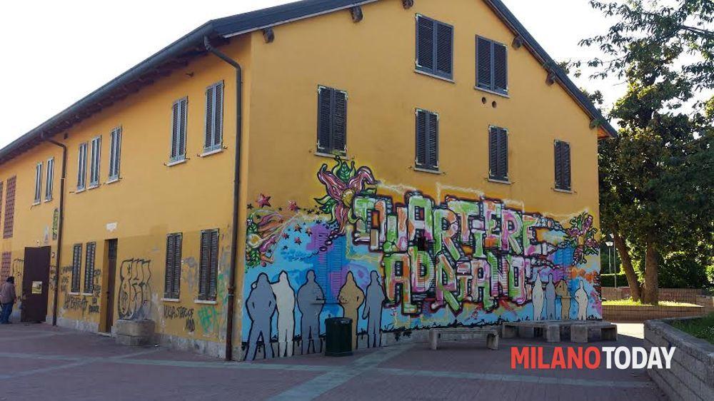 Murales autorizzati in cascina del 700 a Milano protesta