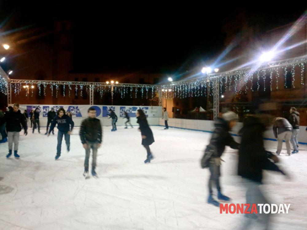 Pista di pattinaggio sul ghiaccio Monza  Orari  Prezzi