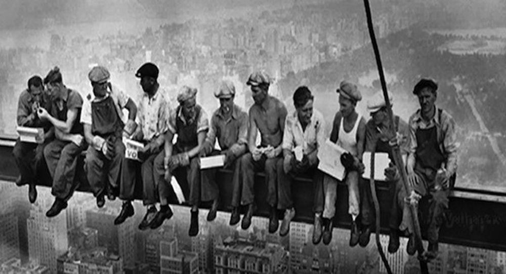 Festa Dei Lavoratori Ricordiamo Il 1 Maggio In Ogni Scuola