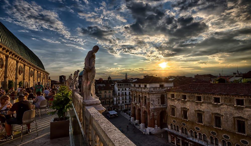 Basilica Palladiana terrazza loggia e salone aperti fino