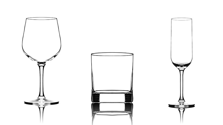 Tutorial: How to photograph glassware on a white
