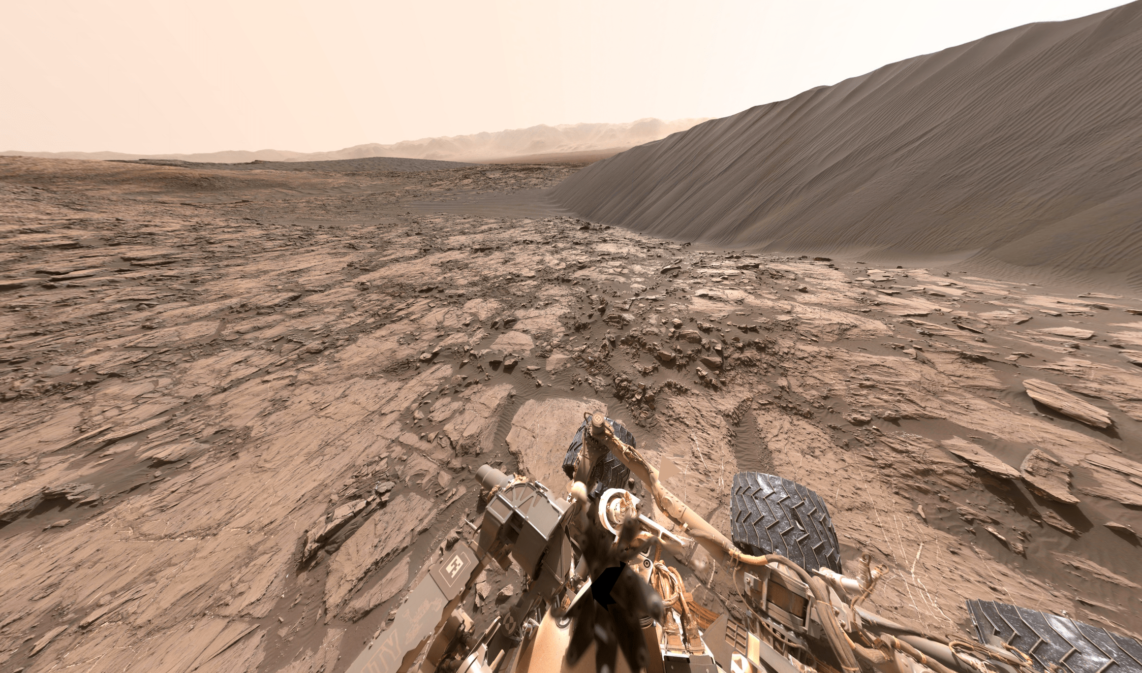 Explore Mars with 360 degree image shot by NASA Curiosity Rover