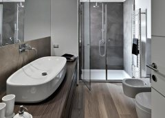 Que faut-il prendre en considération lorsqu'on travaille sur un projet de rénovation d'une salle de bains