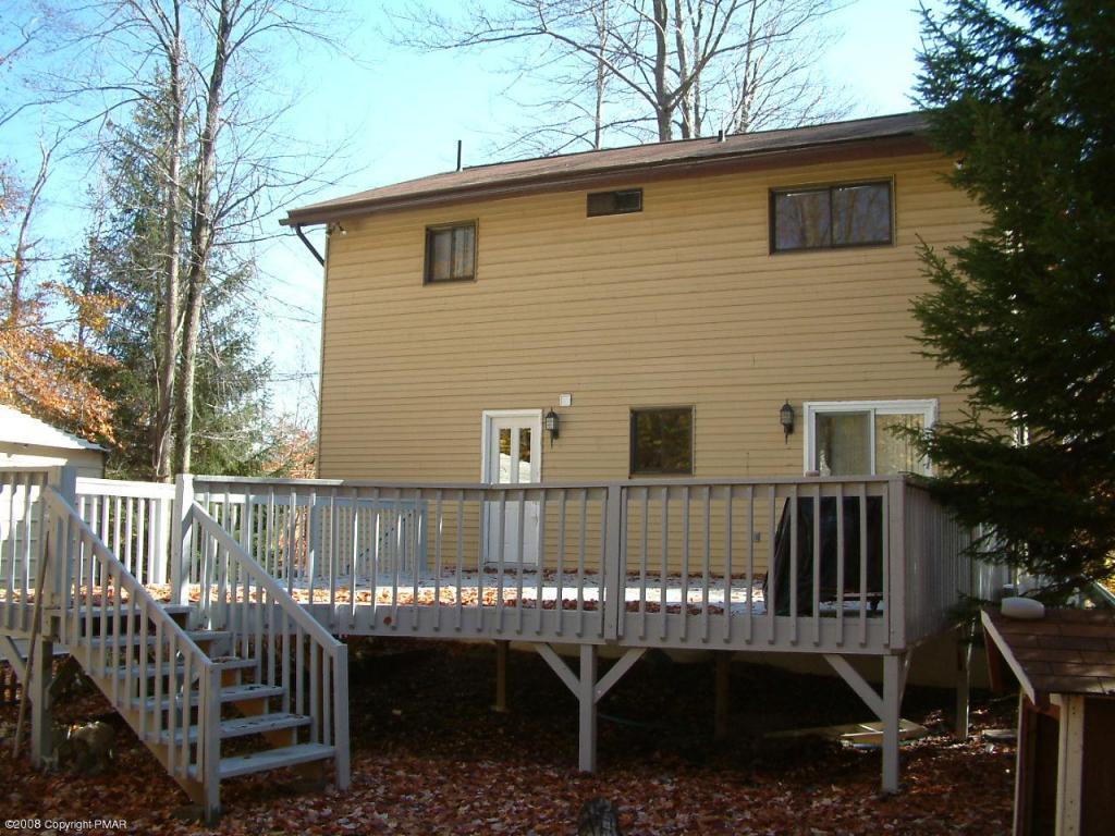 Poconos Vacation Homes Vacation Properties For Sale In Arrowhead Lakes Poconos PA Arrowhead