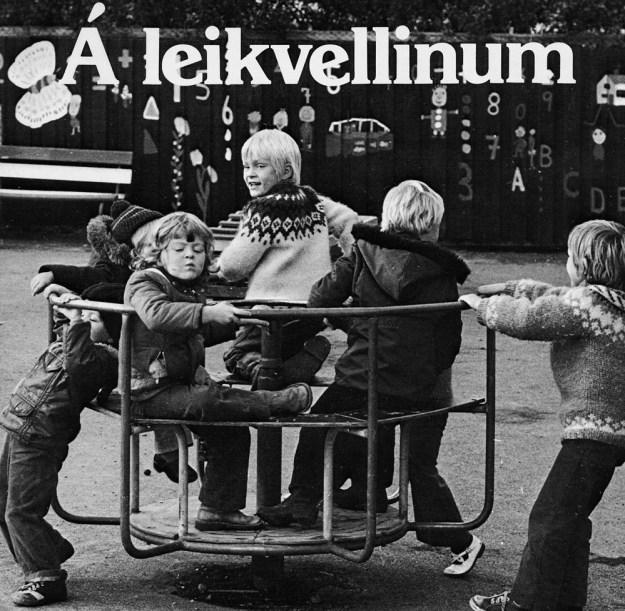 Á leikvellinum. Bæklingar um leikvelli borgarinnar frá 1978.