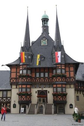 Das Rathaus ist das markanteste Gebäude