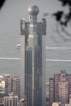 ... kommen wieder die Hochhäuser ins Bild