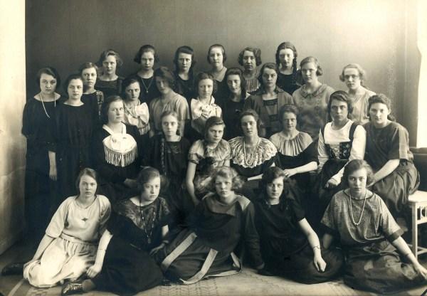 Bekkur í Sorø Husholdningsskole á árunum 1920-1925.
