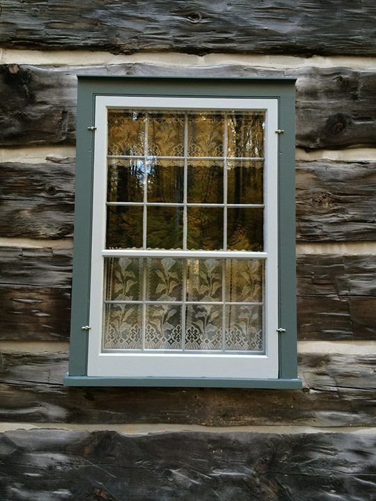 Vintage log house Tradition Windows
