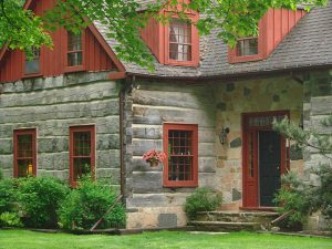 Vintage log Homes from Tradition Home