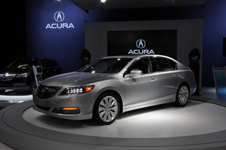 2017 Acura RLX front