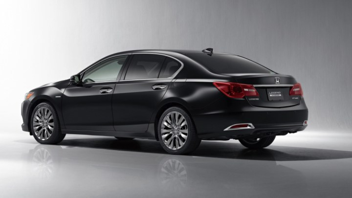 2017 Honda Legend rear view