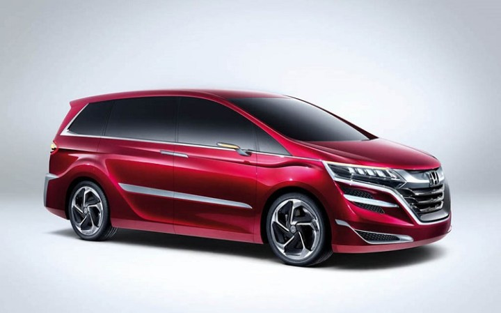 2018 Honda Odyssey front view