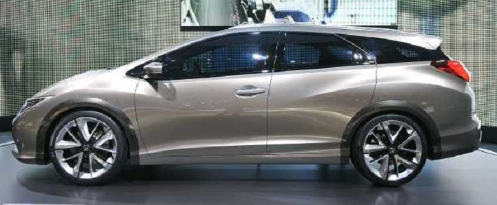 2016 Honda Civic Tourer side view