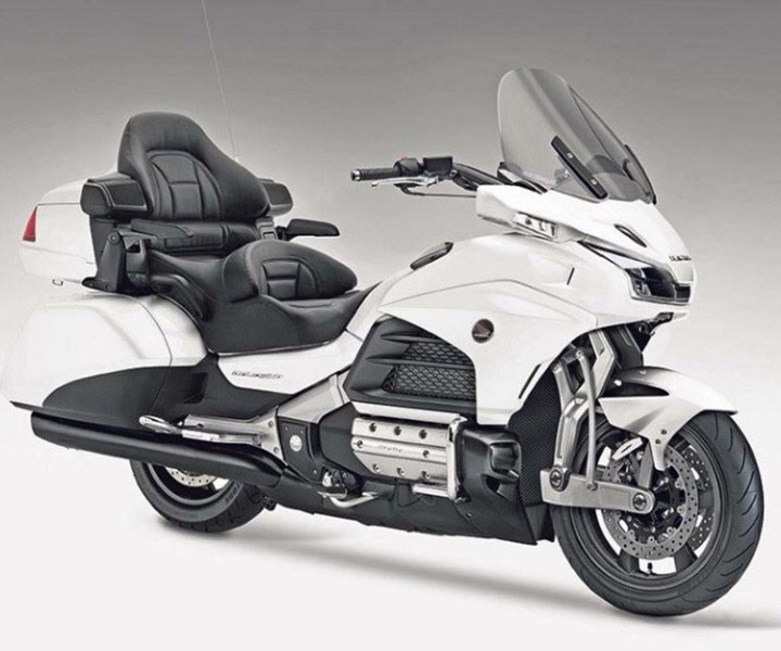 2017 Honda Gold Wing front view