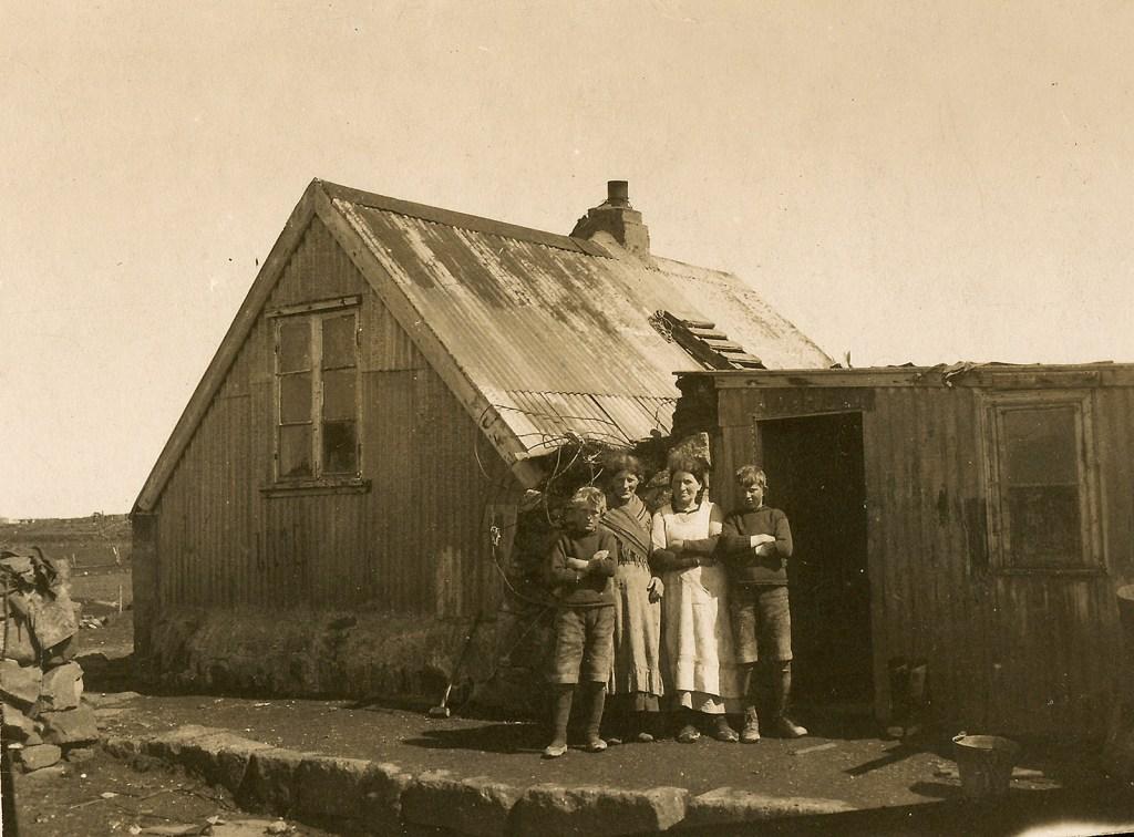 Húsakostur í Reykjavík var misjafn árið 1918. Lambhóll í Skerjafirði.