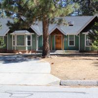 A one-week stay at Big Bear Cabin in Big Bear Lake, California, donated by Joe Dannis and Tina Jo Breindel Dannis