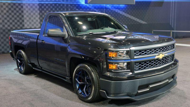 2018 Chevrolet Cheyenne front