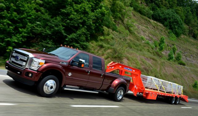 2018 Ford F-550 side