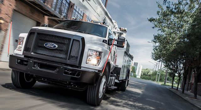 2018 Ford F-650 front