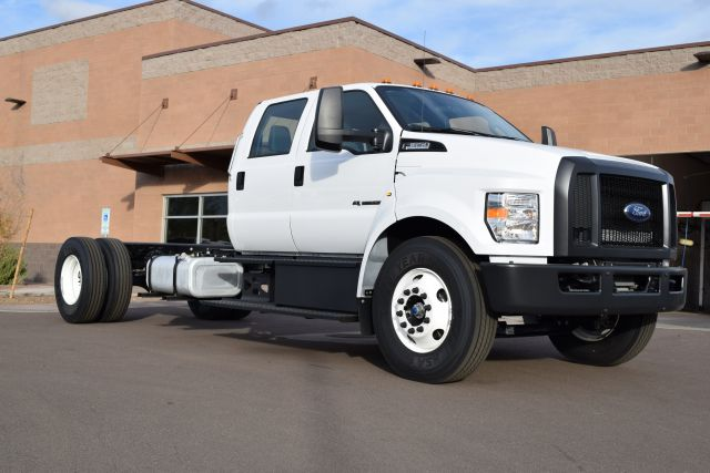 2018 Ford F-650 side
